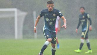 Karel Campos durante un partido con América Sub 20
