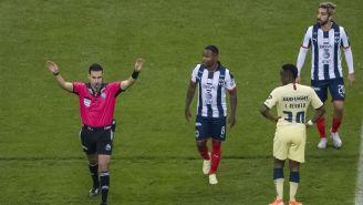 Concachampions: Duelos decisivos entre América y Rayados, manchados por el arbitraje
