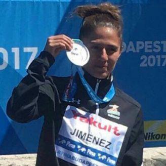 Jiménez presume su medalla de plata en Budapest, Hungría