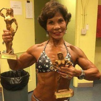 Josefina Monasterio presume sus campeonatos
