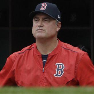 John Farrell en un encuentro de Boston previo a ser eliminados por Houston