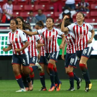 Chivas Femenil celebra triunfo sobre el América