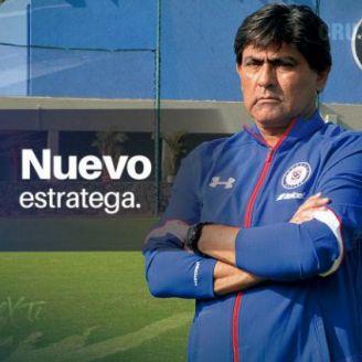 Cruz Azul anuncia a Alberto Aguilera como DT para el equipo femenil