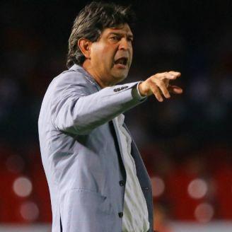 Cardozo dirige a sus pupilos del Veracruz