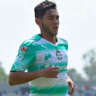 Sandoval, durante un partido con Santos