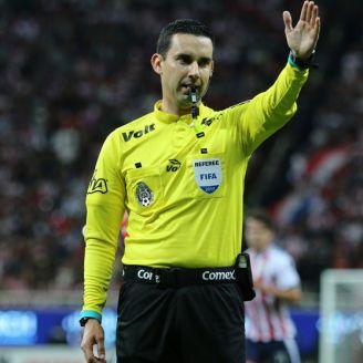 César Arturo Ramos marca un penalti en el A2017