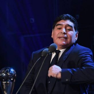 Maradona durante las premiaciones del The Best
