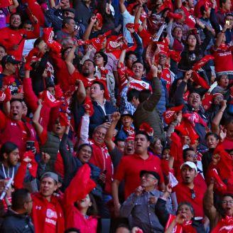 Afición del Toluca no deja de alentar a su equipo