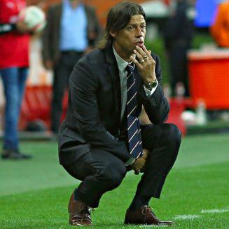 Almeyda se lamenta en un juego de Chivas del Apertura 2017
