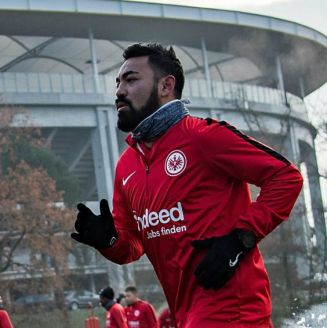 Marco Fabián, durante un entrenamiento con el Frankfurt