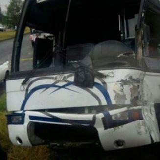 Así quedó el autobús de Rayados de Altamira