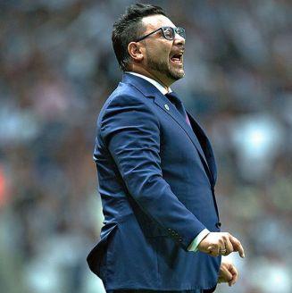 Antonio Mohamed da indicaciones en juego de Rayados