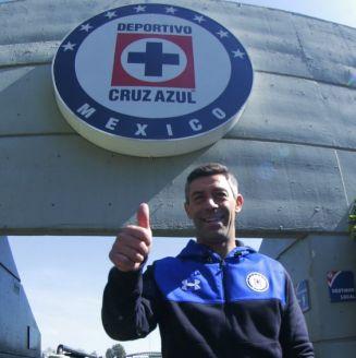 Pedro Caixinha durante su presentación como DT de Cruz Azul