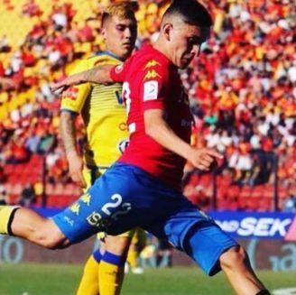 Aránguiz, durante un juego de Unión Española