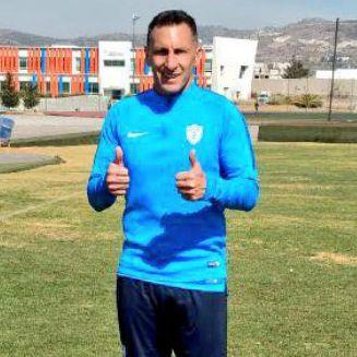 Christian Giménez durante un entrenamiento con Pachuca