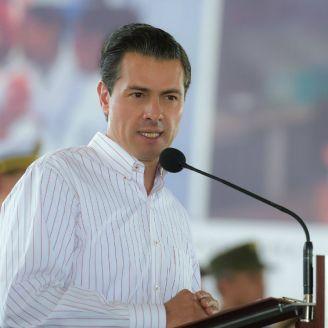 Peña Nieto da un discurso por el día de los enfermeros