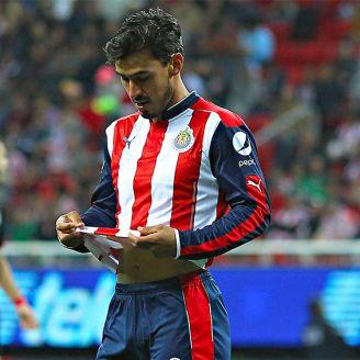 Alanís se lamenta en un juego con Chivas