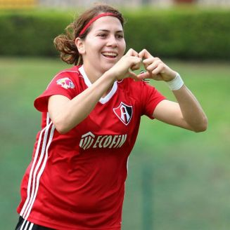 Alicia Cervantes festeja su gol frente al León