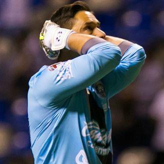 Moisés Muñoz se lamenta durante partido