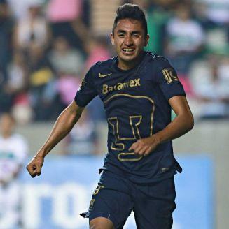 Alfonso Nieto festeja un gol frente a Zacatepec