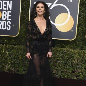 Catherine Zeta-Jones en la alfombra roja de los Globos de Oro