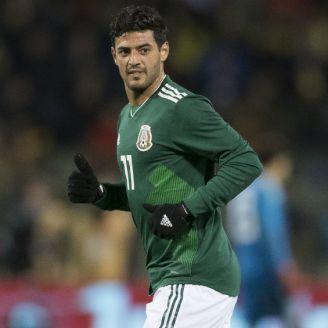Carlos Vela disputa un juego con la Selección Mexicana