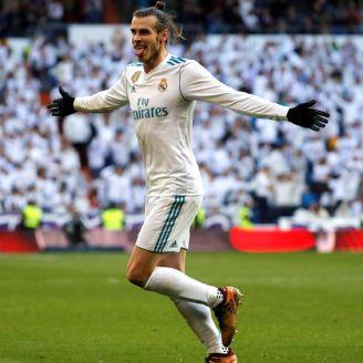 Bale celebra un tanto frente al Deportivo en el Bernabéu