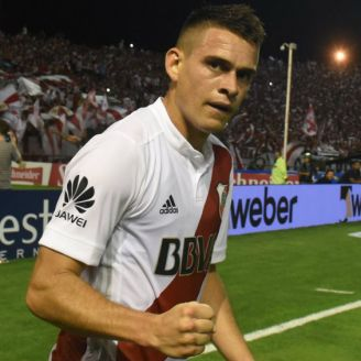 Rafael Santos Borré festeja el gol de la victoria