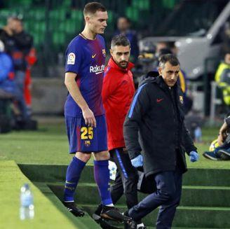 Vermaelen abandona el duelo contra Betis por lesión