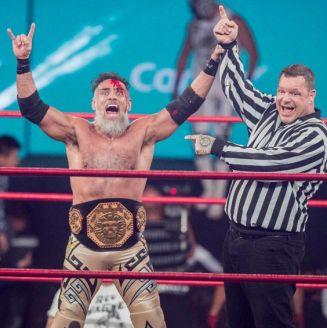 Rey Wagner, eufórico tras ganar el Megacampeonato de Triple A