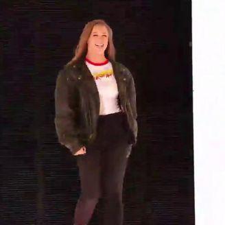 Ronda Rousey ingresa al ring