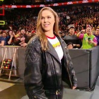 Ronda Rousey hace su aparición en Royal Rumble