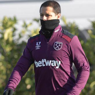 Javier Hernández en entrenamiento del West Ham