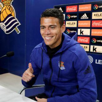 Moreno en su presentación con la Real Sociedad