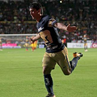 Matías Alustiza festeja su gol contra Monarcas