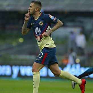 Jérémy Ménez celebra gol contra Lobos BUAP
