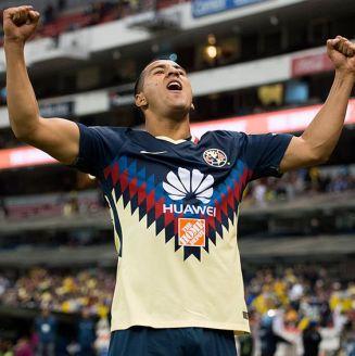 Cecilio celebra gol del América