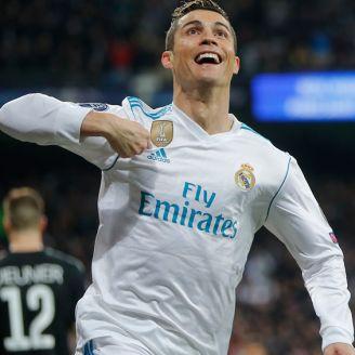 CR7 festeja una anotación en la Champions League