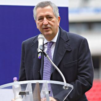 Jorge Vergara en un evento en el Estadio Akron