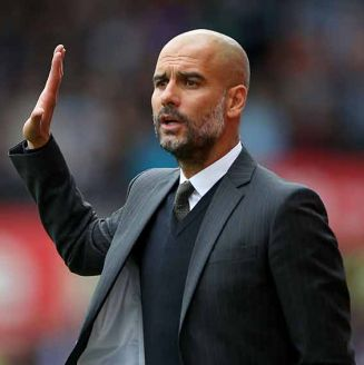 Pep Guardiola, durante un partido con Man City