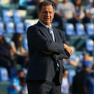 Enrique Meza durante un partido de Puebla
