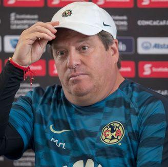 Piojo Herrera, en conferencia de prensa