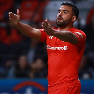 Pedro Canelo festeja un gol contra Alebrijes