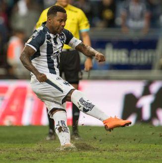 Dorlan Pabón levanta el césped con su disparo en la tanda de penaltis