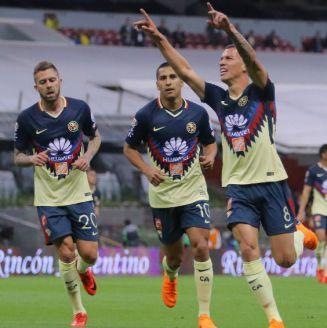 América festeja gol de Mateus Uribe contra Monarcas