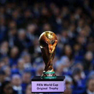 Trofeo del Mundial, durante el sorteo