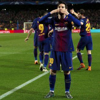 Messi celebra uno de sus goles contra Chelsea