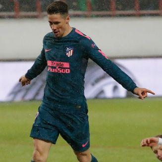 Fernando Torres celebra su gol con el Atlético de Madrid