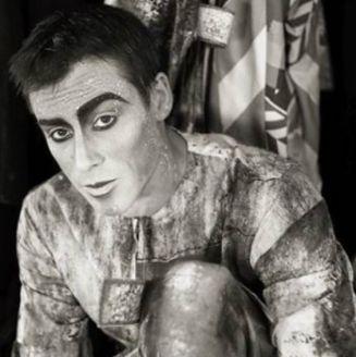 Yann Arnaud previo a una presentación con Cirque du Soleil