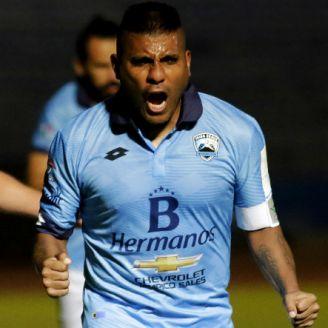 Hachita Ludueña festeja gol con Tampico Madero
